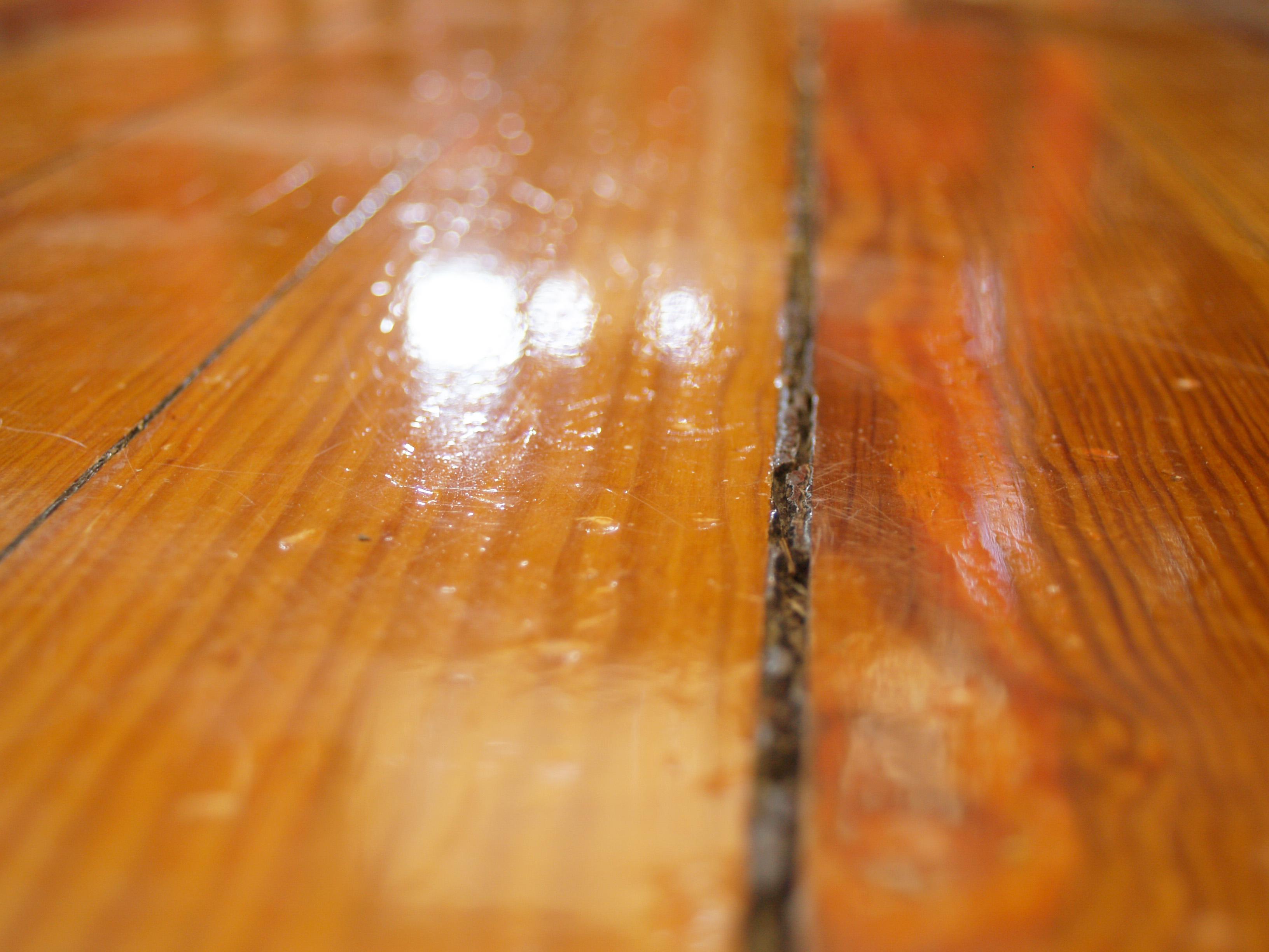 Qu hacer si nos cae agua en el parquet coema - Reparar piso de parquet ...