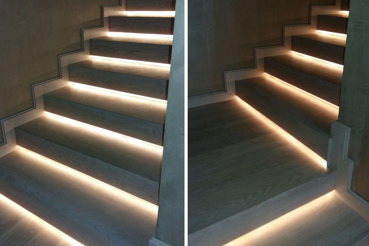 Escaleras macizas de roble con tinte y luz led incorporada