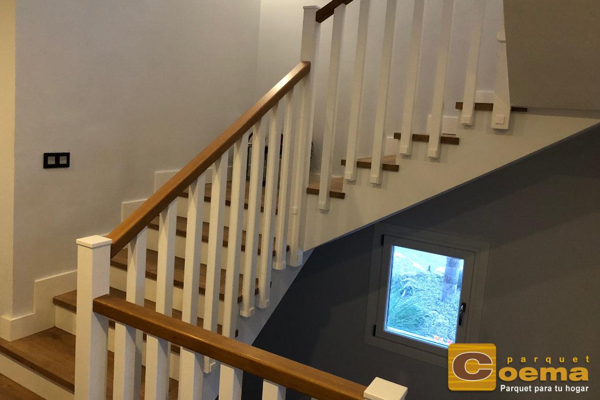 Forrado de escaleras huella con tarima laminada