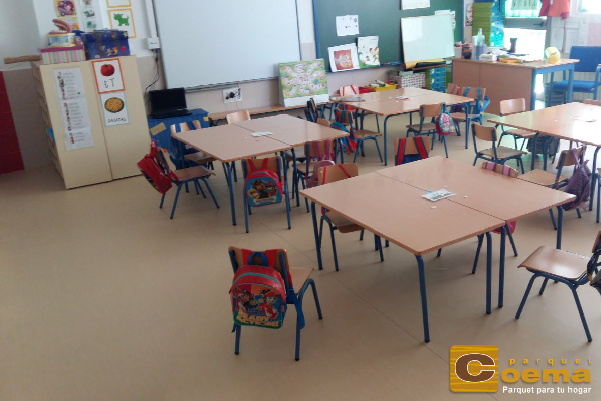Instalación de PVC en un colegio en el Rincón de la Victoria